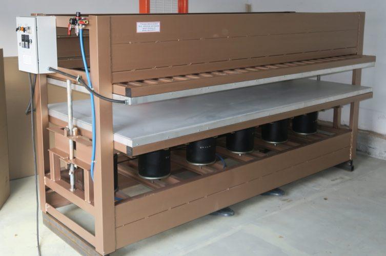 Пресс горячего прессованияРазмер плиты 2800*1000 мм, 24 тонны.